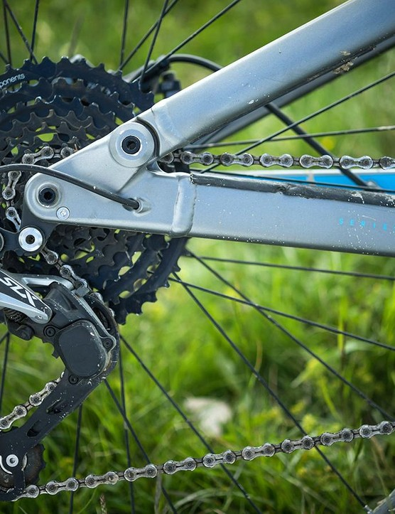 Reliable shifting with a decent gear range, thanks to a combo of Shimano SLX and e-thirteen parts