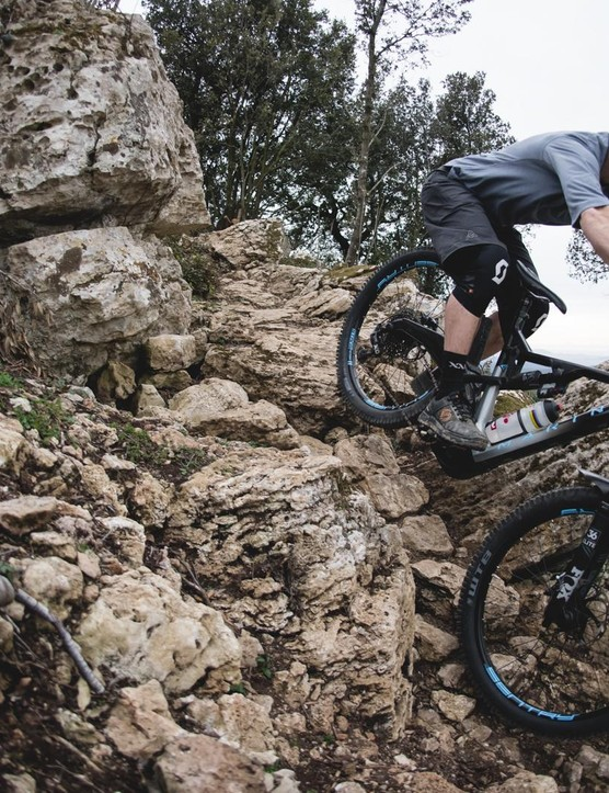 Tech ed Alex gets to grips with the Marin on some of Italy's gnarly, rocky tracks