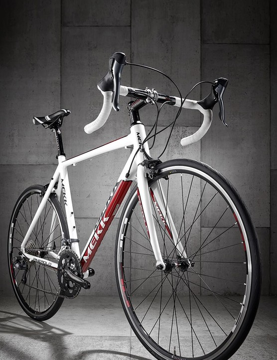 The Pinerolo design is a few years old. So, it's all external cable routing and 23mm tyres