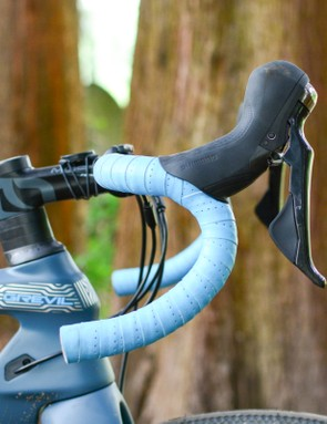 Side view of Pinarello Grevil bars with Shimano Ultegra R8020 levers