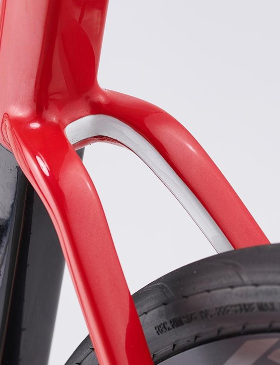 The super low-slung seatstays reminded me of Giant's bikes