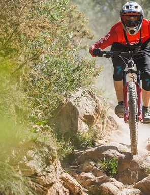 Less friction and lighter high-speed damping options allow the new fork to use its travel more freely, resulting in less hand pain