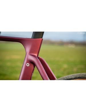 The aero-bike-like dropped rear seatstays