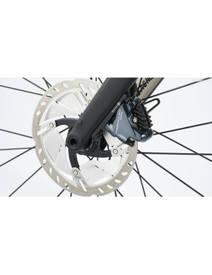 Shimano Ultegra hydraulic disc brakes with 160mm Freeza rotors