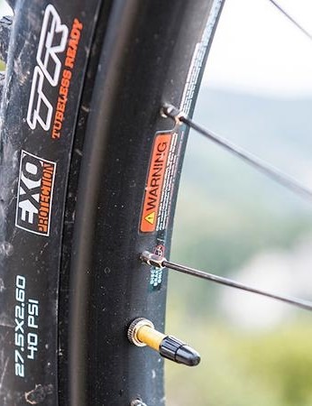Wide tyres are mounted to wide rims for plenty of volume