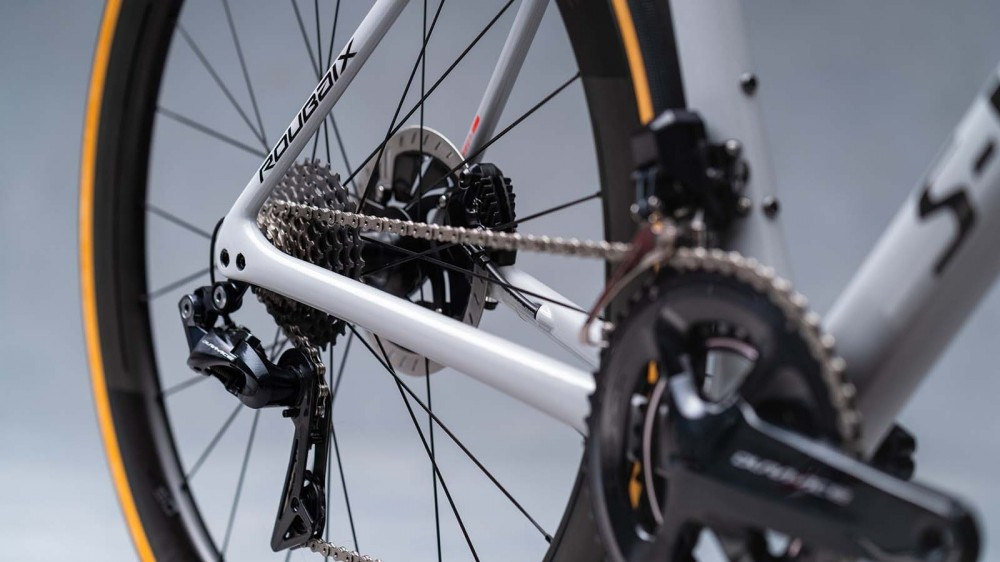 The new S-Works frame tips the scales under 900g