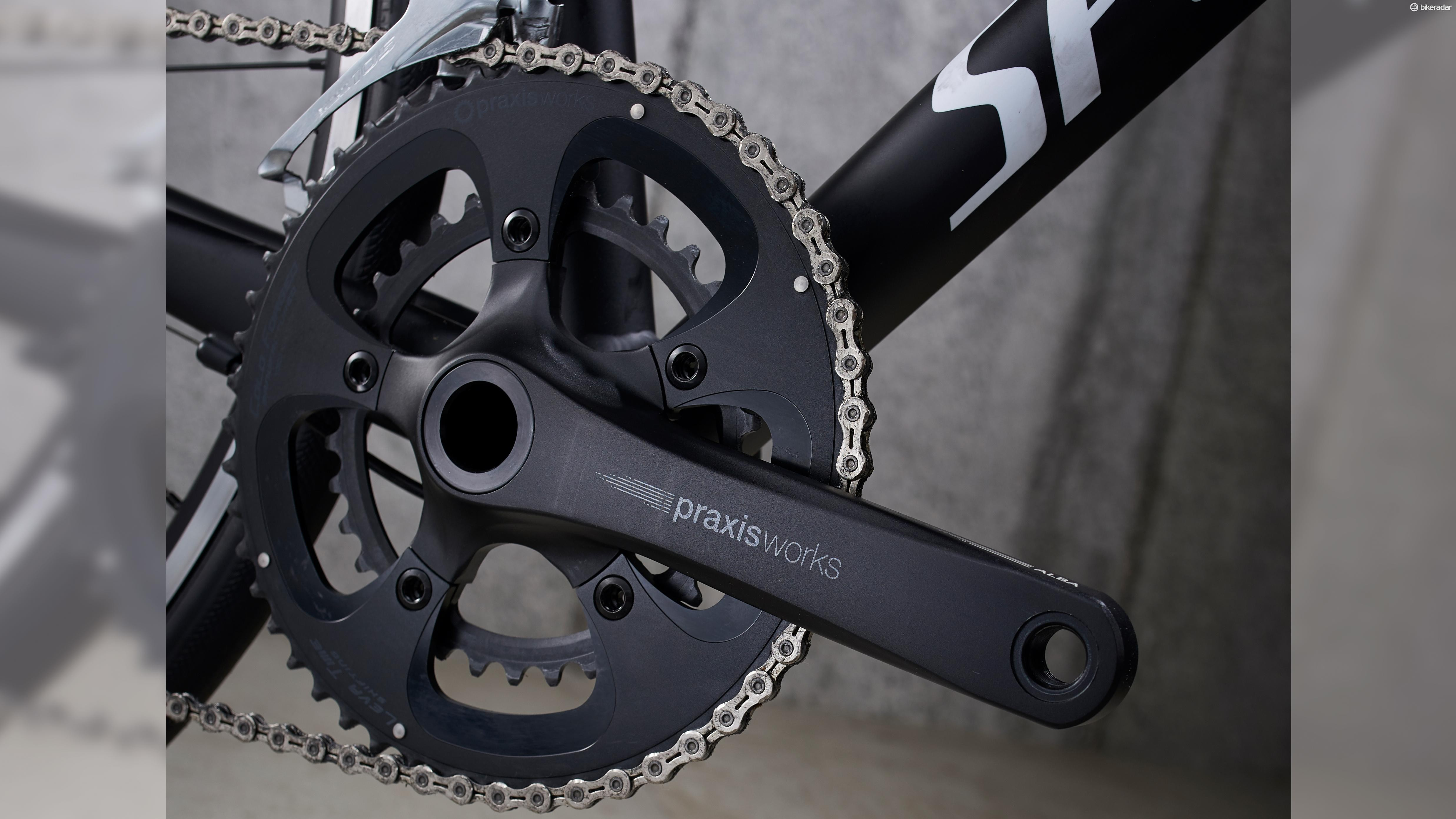 The Praxis Alba crankset deviates from Shimano 105, but worked well