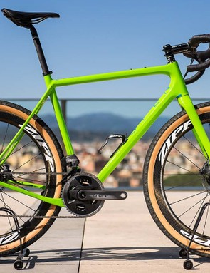 We got the chance to try out the new Force eTap AXS on Girona's gravel trails and roads on board this rather bling Open UP