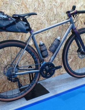 WOHO's new titanium gravel machine, the Double Ace Ti, is a damn good looking machine