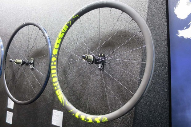 Token's new lightweight carbon gravel wheelset the RoubX
