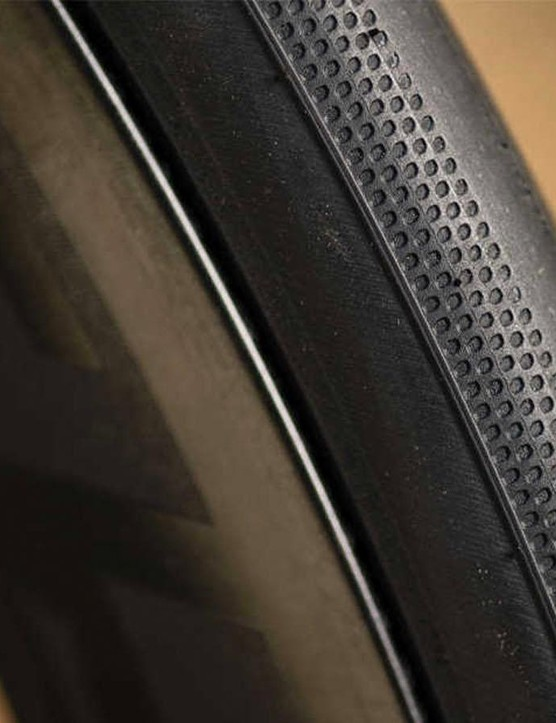 The shoulder tread changes according to the width of the tire and its intended use