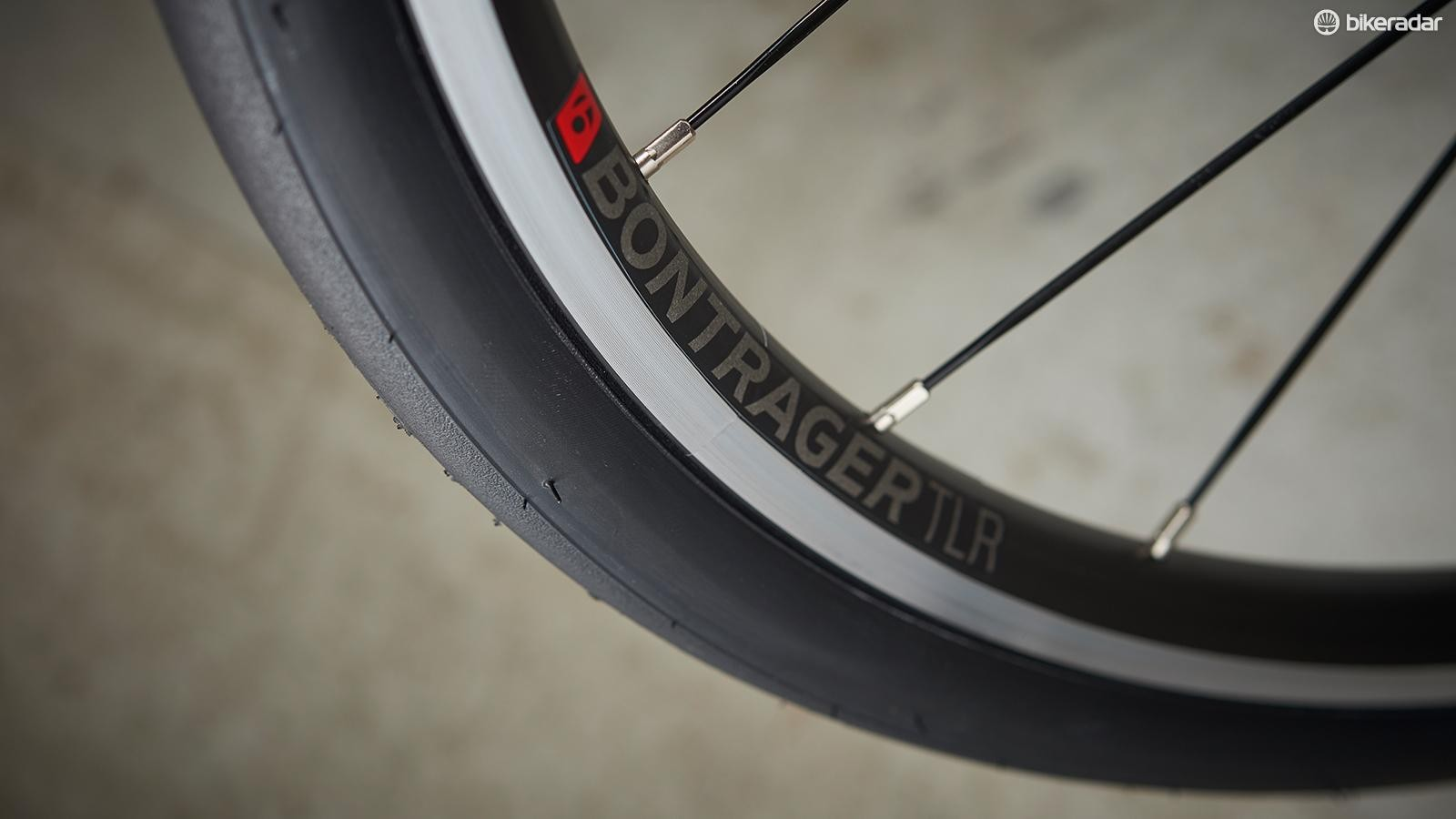 The Bontrager rims and 28mm tyres also contribute to the Domane's smooth ride