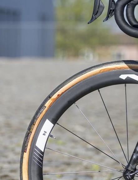 Terpstra has opted for rim brakes