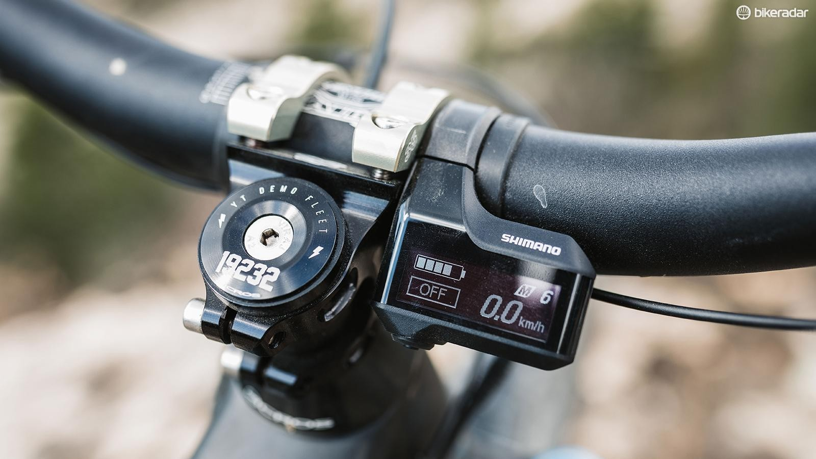 The Shimano E7000 display tucks in nicely against the stem