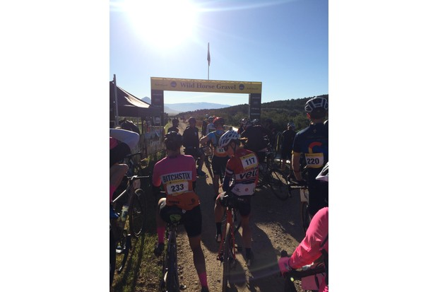 Roll Massif Wild Horse Gravel race start