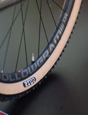 cannondale hollowgram wheels