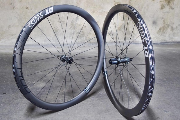Gravel road wheelset