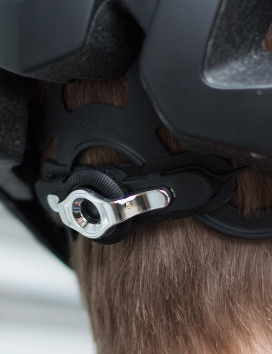 mountain bike helmet adjustable retention system