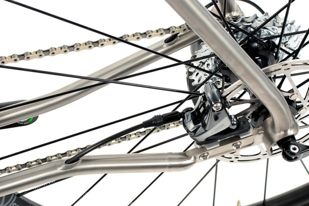 Lynskey Pro GR Race flat-mount disc brakes, cabling, chain and cassette