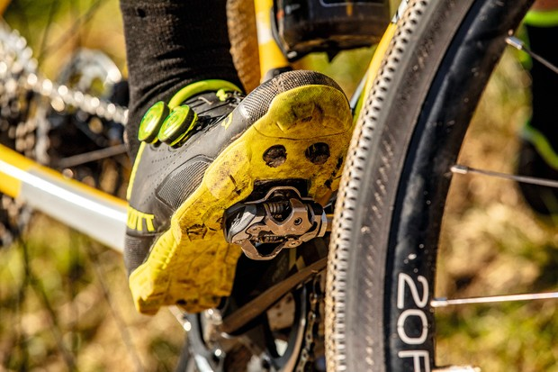 Mountain bike SPD shoes cleats and pedals