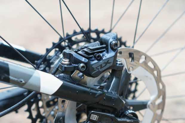 Shimano SLX M7100 four-pot brake