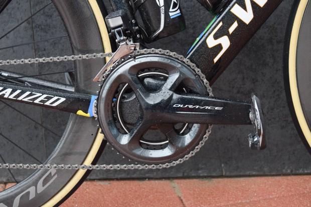 Close-up of Shimano Dura-Ace R9100 cranks on Specialized Venge bike