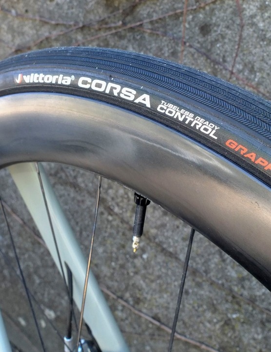 tubeless tyre on BMC Roadmachine 01 road bike