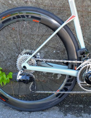 seat and chain stays tapered on road bike