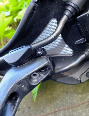 seatpost connecting to saddle on road bike