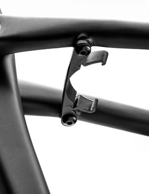 Removable fender bridge on road bike