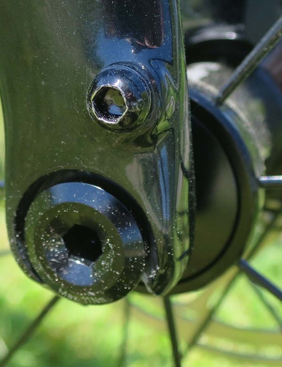 speed release axles on road bike