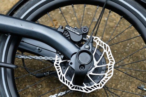 Tektro hydraulic disc brakes on Ariv Merge folding bike
