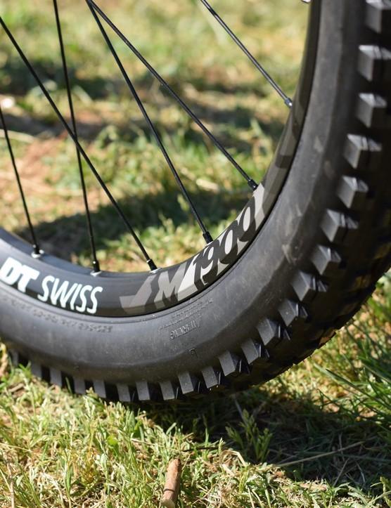 DT swiss m1900 spline wheel