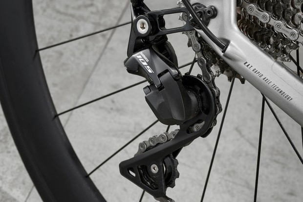 Shimano 105 derailleur on road bike