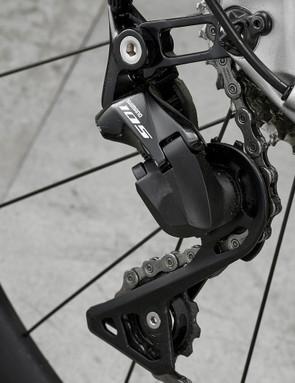 Shimano 105 derailleur on road bike