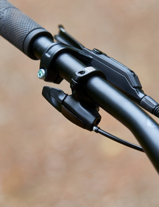 Lockout lever on GT Zaskar Alloy Comp hardtail mountain bike