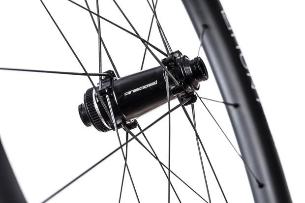 Hunt Limitless 48 aero disc wheelset hubs