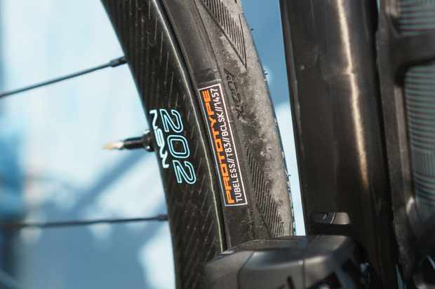 Schwalbe prototype 28mm road tubeless tyre on Scott Addict