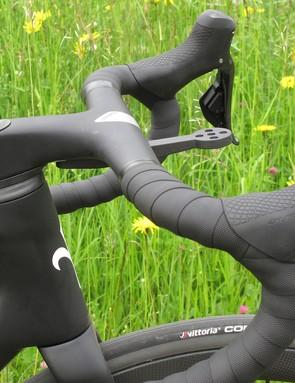 Zero bar and stem on black road bike
