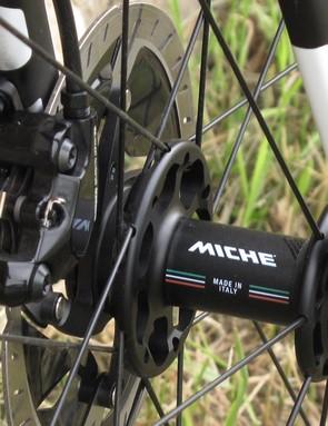 hub on road bike