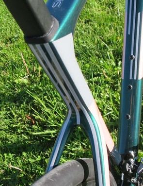 These line graphic details on the rear of the seat tube and stays are reflective, Cannondale have added a lot of reflective details to the new Evo and bikes equipped with the Vittoria Rubino tyre have the added reflectibvity of 'bright black' strips on the tyre sidewall