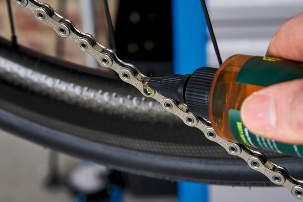 How to keep your chain clean