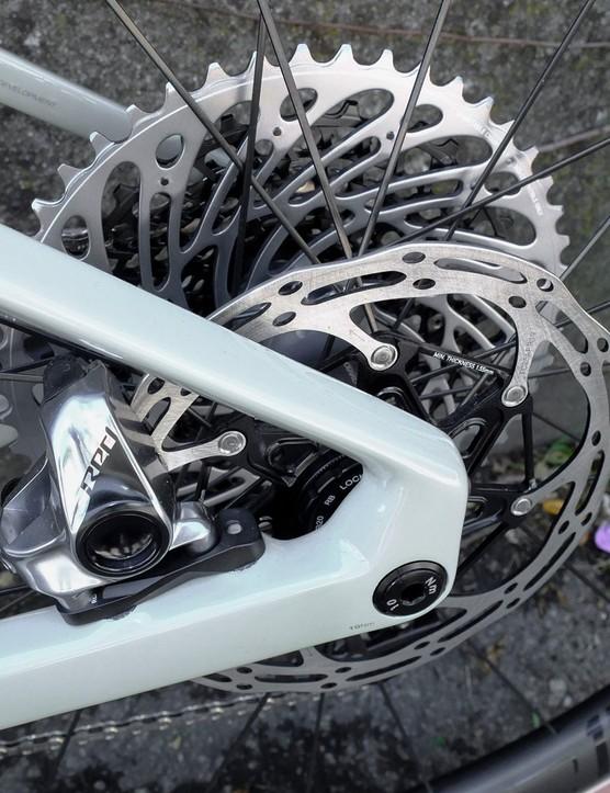 160mm rear disc rotor on gravel road bike
