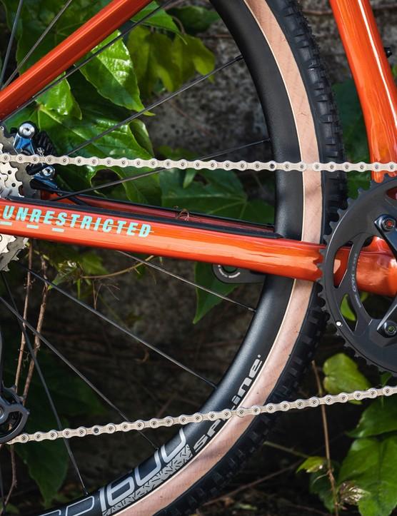 Shimano GRX Di2 drivetrain on BMC URS TWO gravel road bike