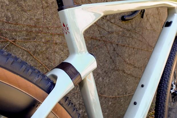 MTT suspension on gravel road bike