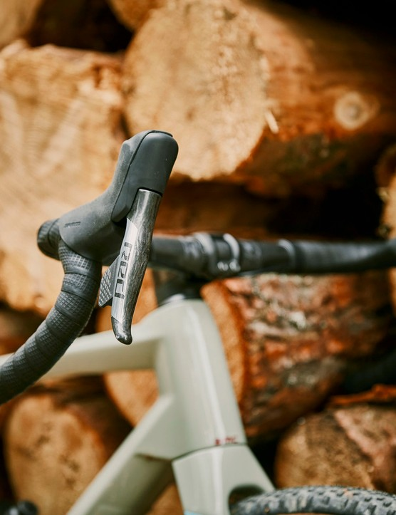 shifter lever on gravel road bike