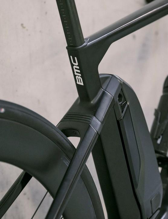 seat stay on road e-bike