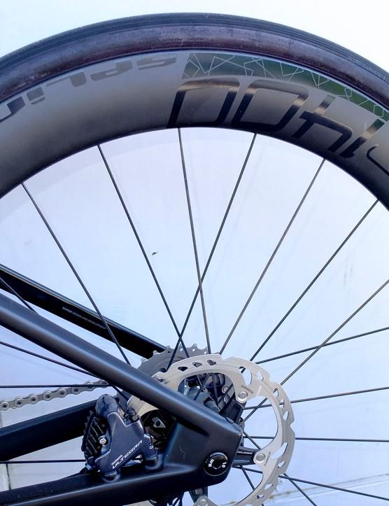 DT Swiss HEC 1400 Spline wheels on road e-bike
