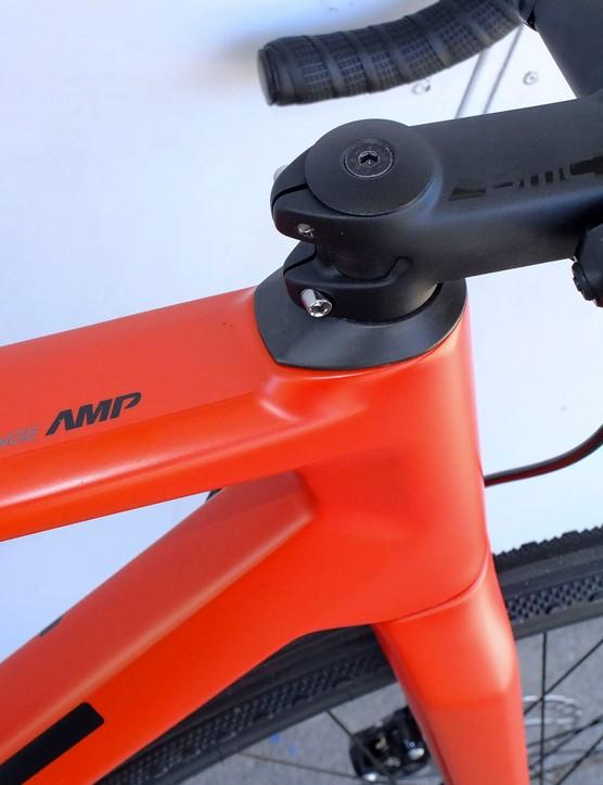 stem on red road e-bike