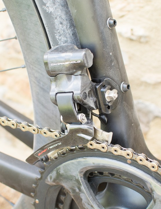 Electronic road bike front derailleur